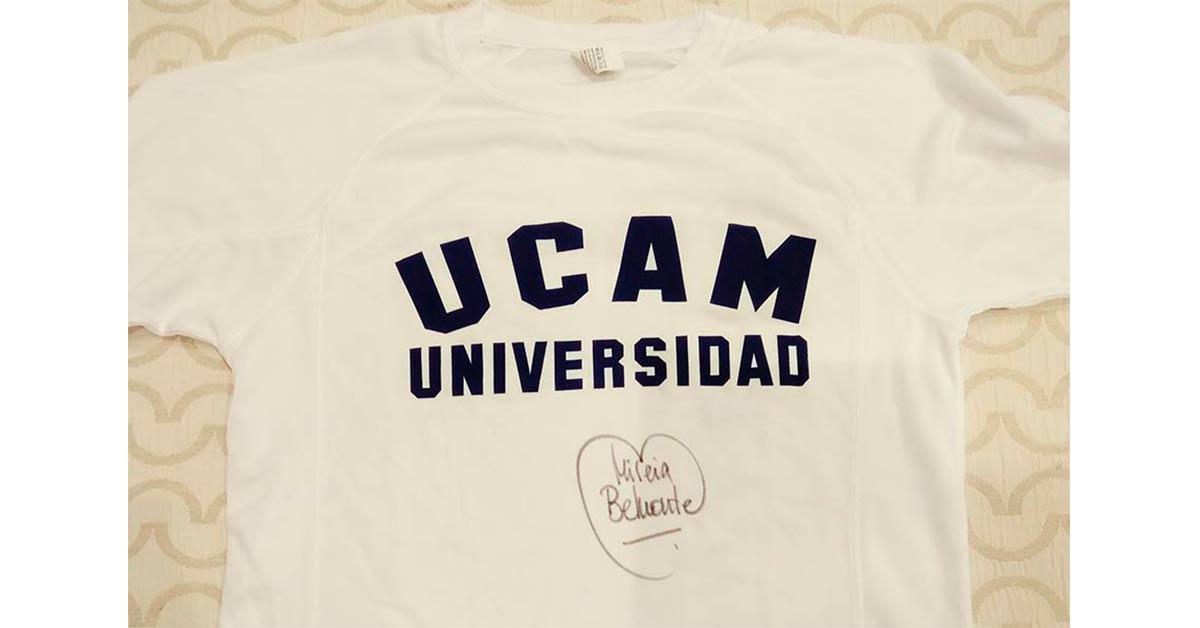 Camiseta firmada Mireia Belmonte