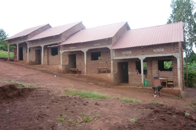 placas-solares-escuela-uganda-2